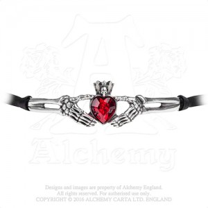 Claddagh By Night Necklace