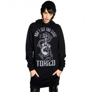 Too Close Long Pullover (Black)